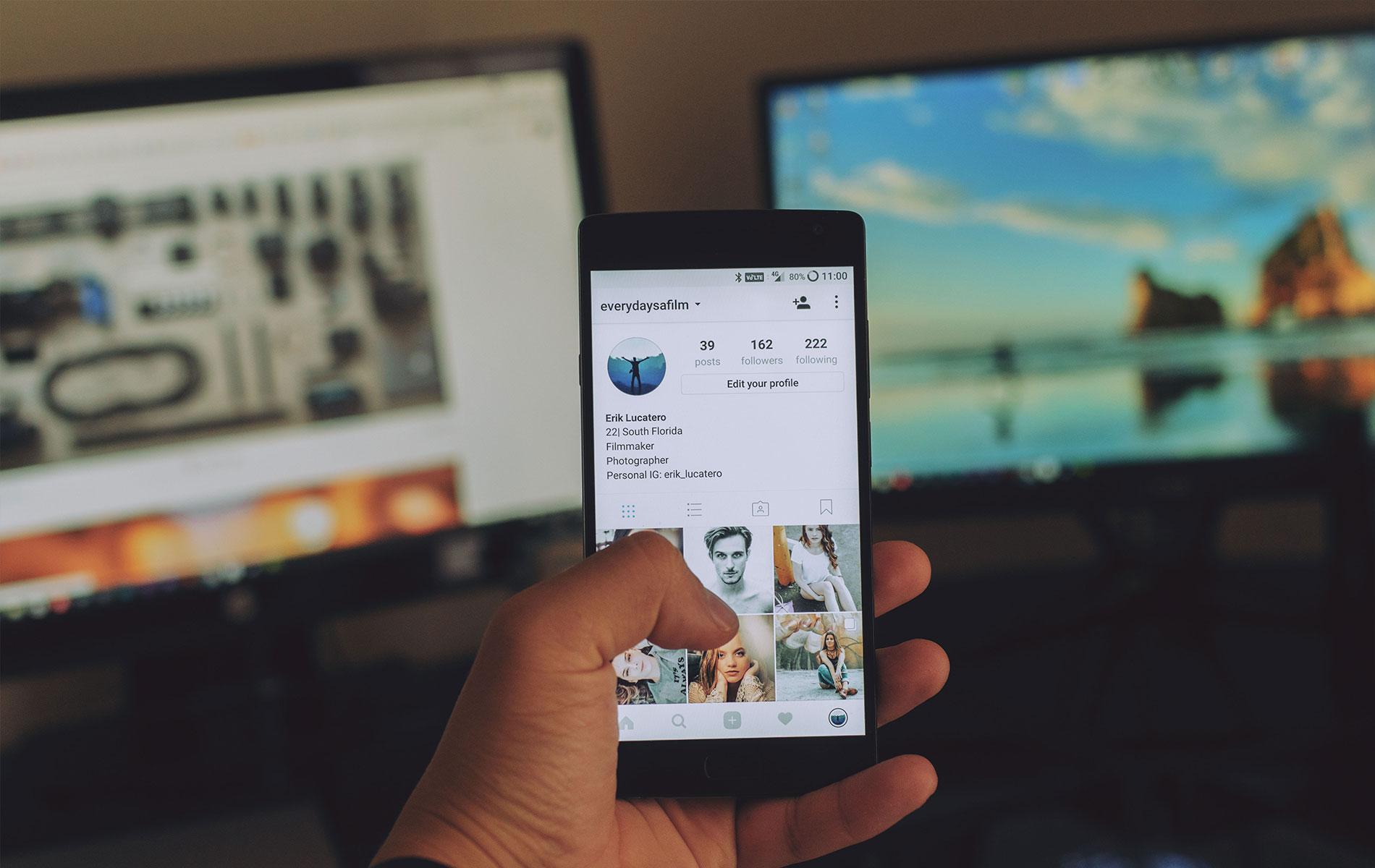 Handy zeigt Instagram Profil
